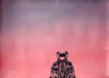 Kaksi Geishaa. 2009. 70 x 100 cm. Vesiväri ja muste paperille. Yksityisomistuksessa.